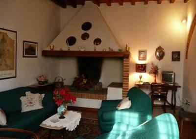 12 Il Borgo Casale 1 zitkamer haard