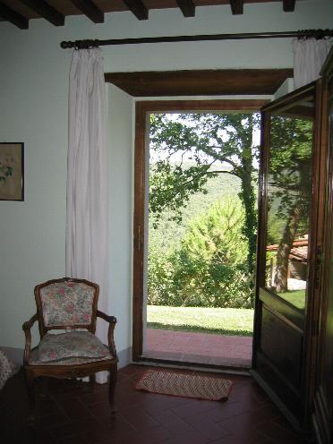 12 il Poggetto, slaapkamer links uitzicht
