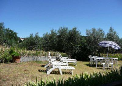 14 il Borgo Casale 2 deel tuin juli 08