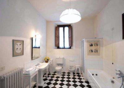 20 Villa il Giardino badkamer 1