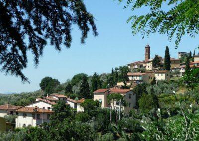30 il Borgo uitzicht op la Romola juli 08
