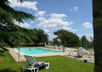 02 il Pratone zwembad vanaf huis