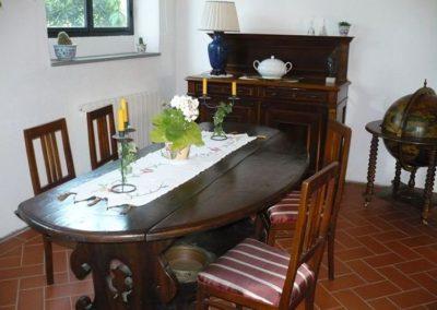 05 Podere Fulvia eettafel zitkamer