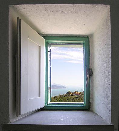 15 Cinque Terre uitzicht raam