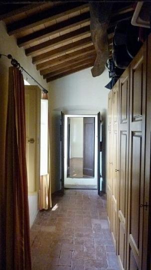 20 Villa Rota gang met kasten 1e verdieping