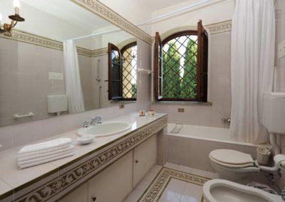 18. een badkamer op de 1e verdieping - Villa Nonni
