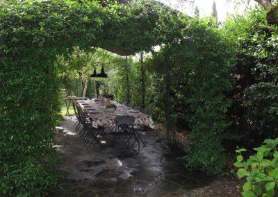 27. Pergola met eettafel - Villa Nonni