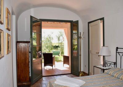 11 Montefiorile Pastore slaapkamer en veranda