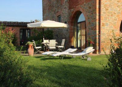 14 Il Borgo Cortona kijkend naar terras